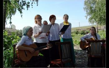 Выступление ансамбля взрослых воскресной школы