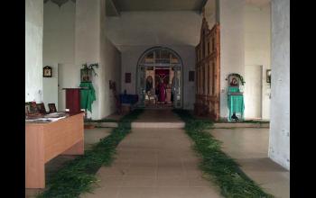 На празднике в храме